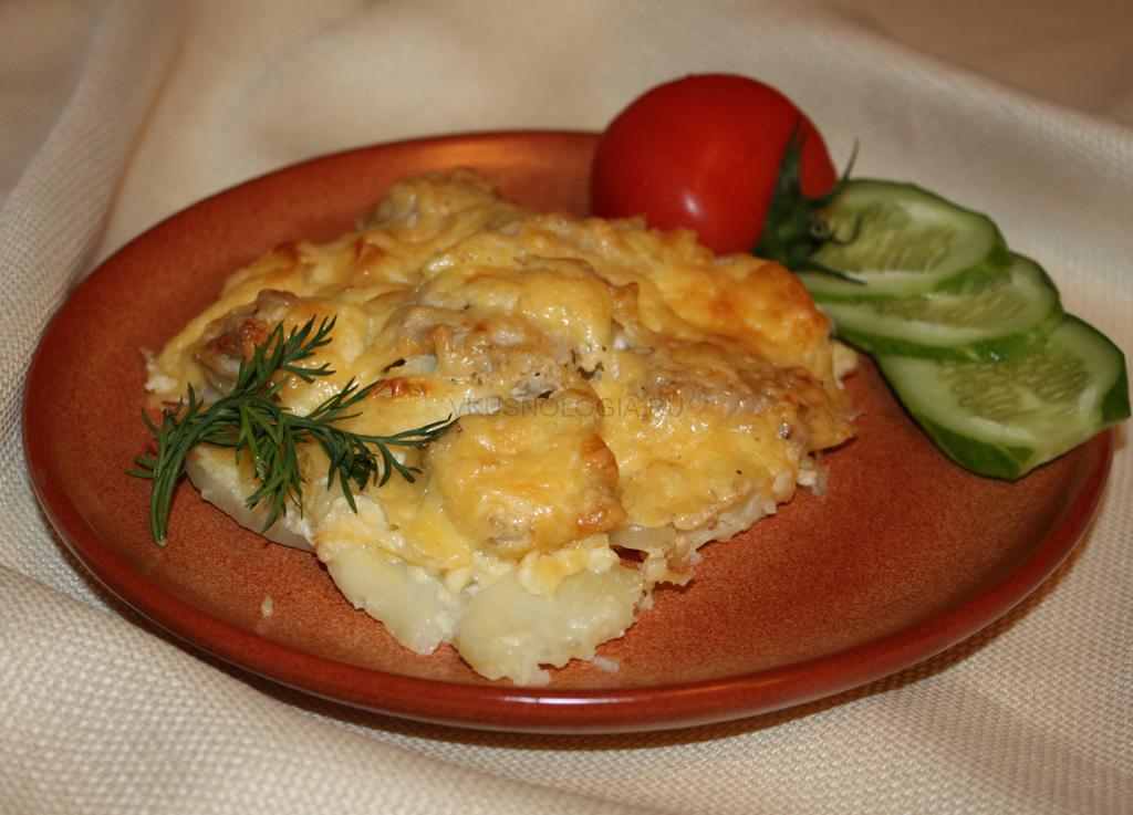 Картошка в сырном соусе в духовке